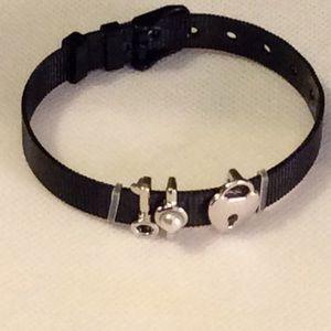 Jewelry - Mesh Charm Bracelet!